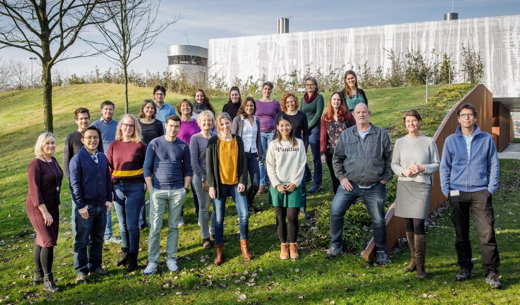 Groepsfoto van medewerkers Nederlandse hersenbank
